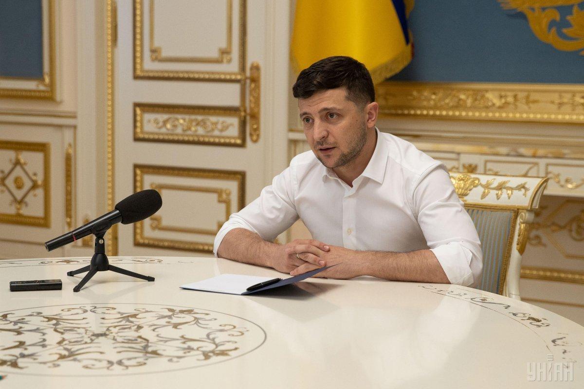 Президент заслушал доклад главы Генштаба / фото УНИАН
