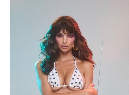 Эмили Ратаковски впечатлила идеальной фигурой / Instagram Эмили Ратаковски