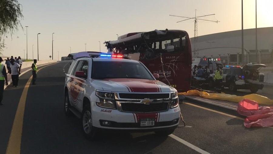 Автобус врізався в дорожній знак / фото: прес-служба поліції