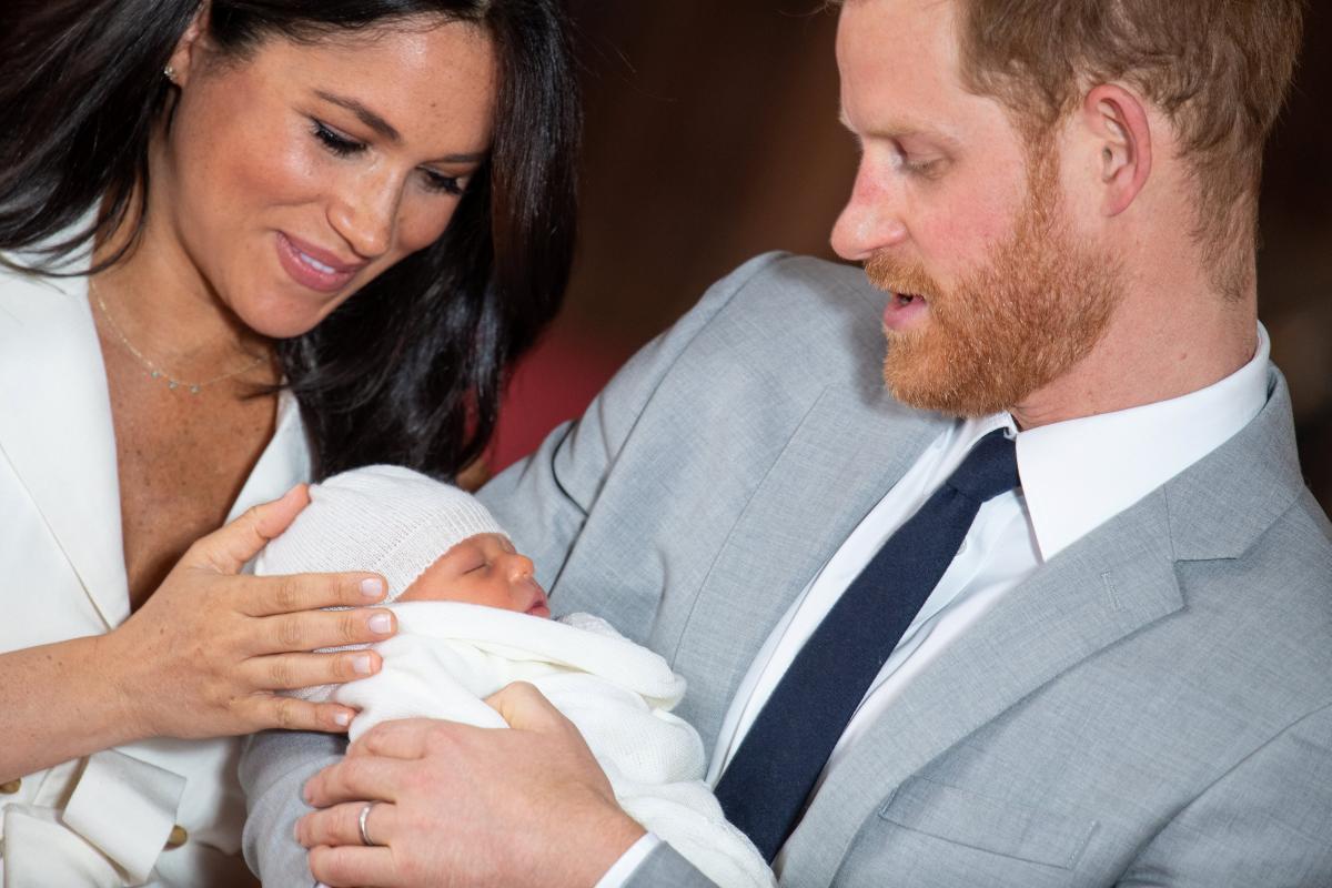 Меган Маркл и принц Гарри с сыном / фото REUTERS