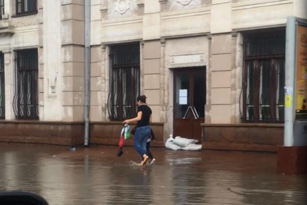 В Черновцах затопило вокзал / cvnews.cv.ua