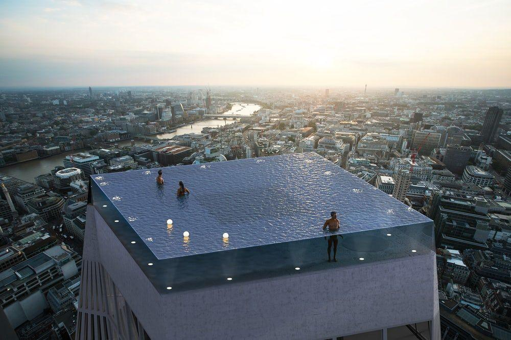 Посетители смогут плавать в бассейне и наслаждаться панорамой британской столицы \ compass-pools.co.ru