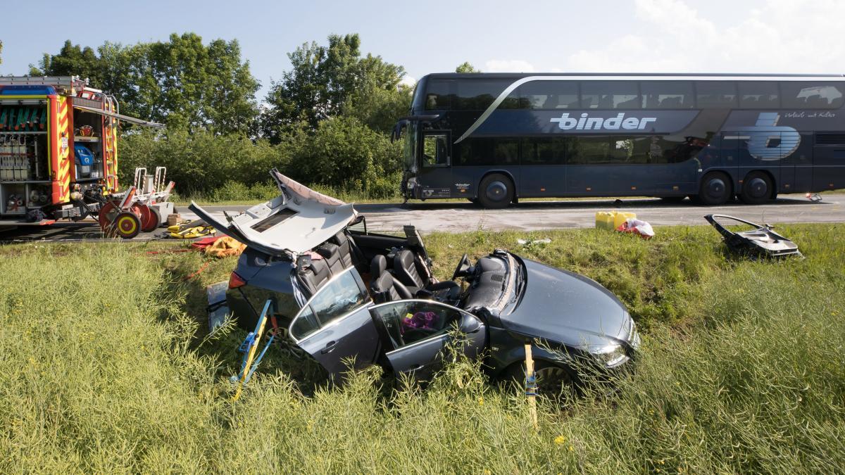 По данным полиции в автобусе находилось 49 школьников