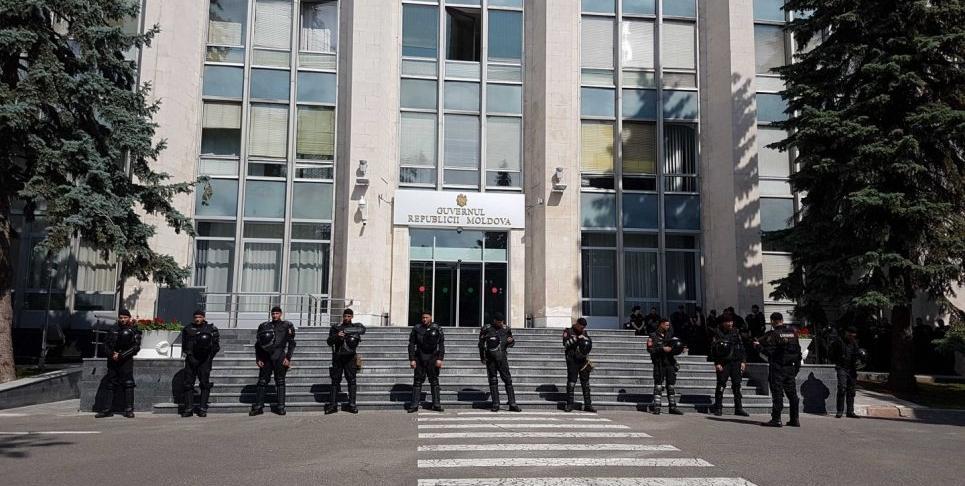 В Молдове сегодня заседали два правительства / Newsmaker