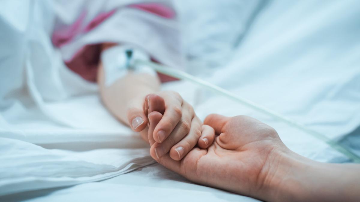 Состояние пострадавшего мальчика еще тяжелое/ gorodenkoff/Getty Images
