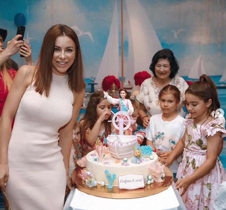 Лорак показала, як святкувала день народження доньки / фото instagram.com/anilorak