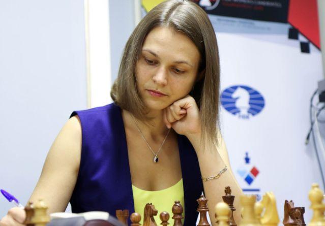 Анна Музичук виграла у Нани Дзагнідзе / фото: fwct2019.com