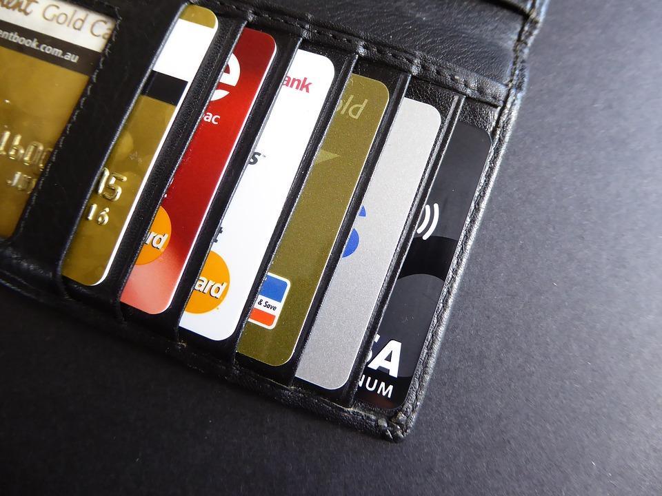 Кількість безготівкових операцій збільшується / фото pixabay.com