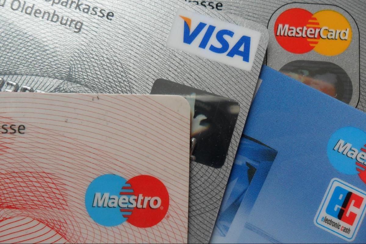Вопрос защиты от мошенников особенно актуален в период летних отпусков / фото flickr.com/mecklenburg