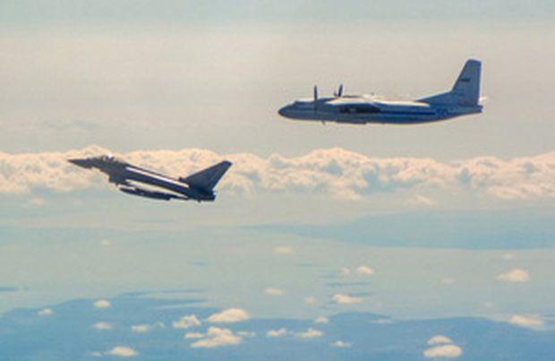 Російські Ан-24 були перехоплені біля повітряного простору Естонії / фото gov.uk