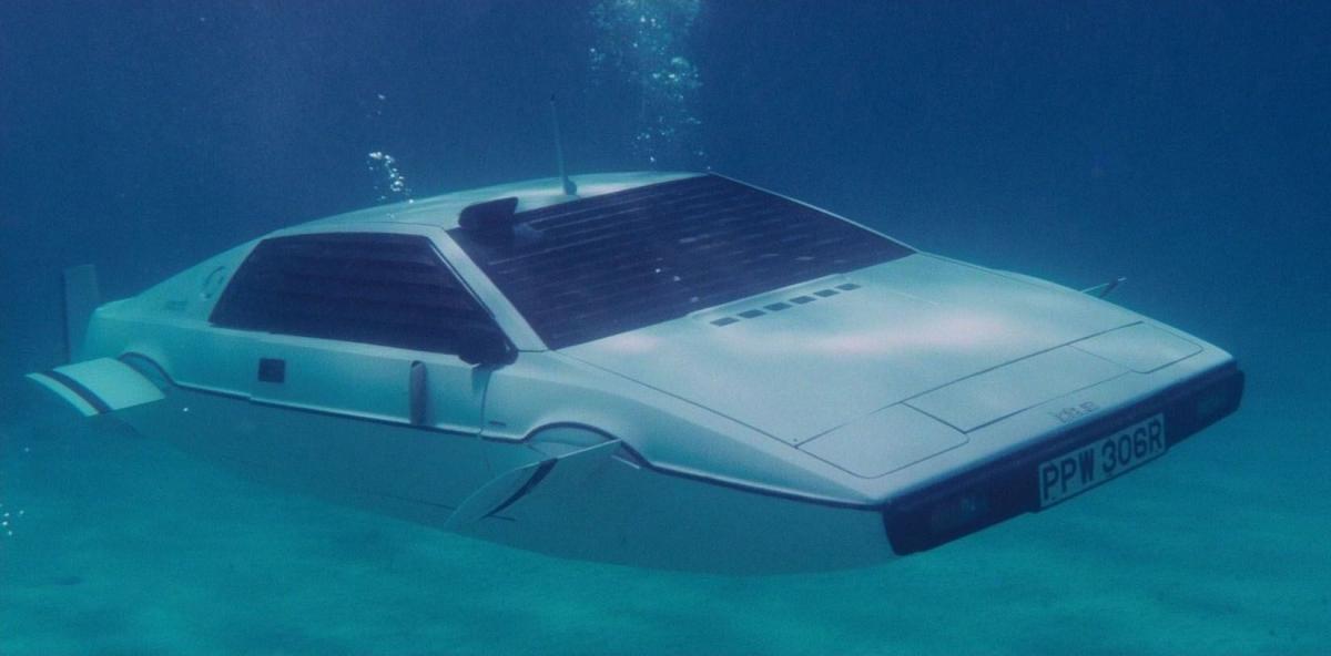 Инженеры компании Tesla уже разработали конструкцию машины/ кадр из фильма «Шпион, который меня любил»
