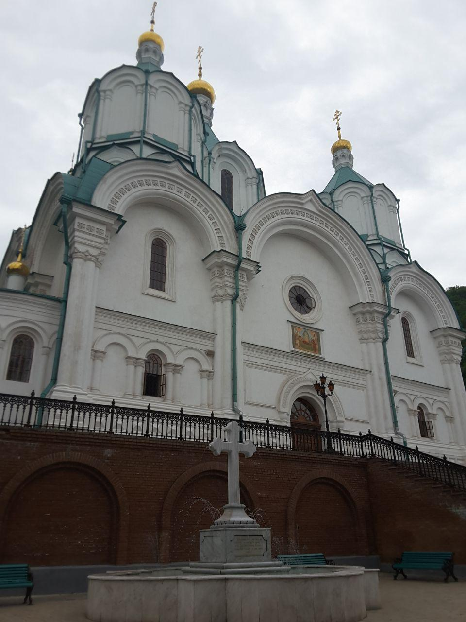 Свято-Успенская Святогорская лавра недалеко от Славянска / Фото Надежда Бурбела