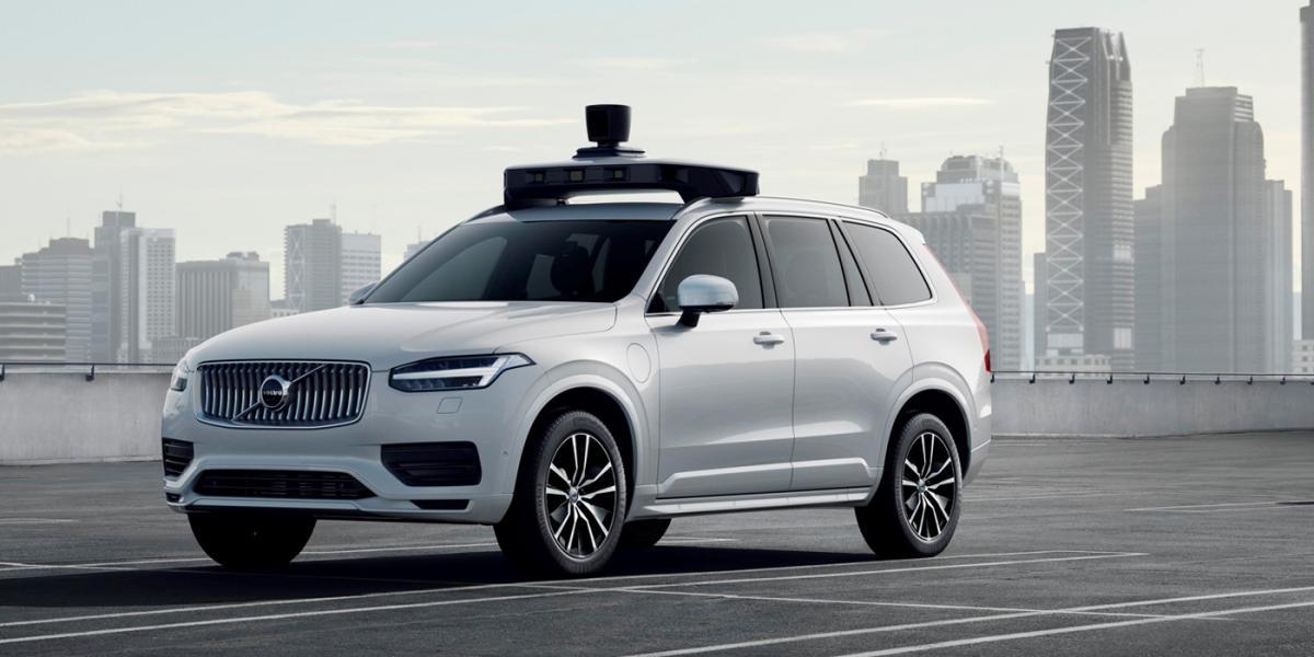 Volvo показала серійний безпілотний XC90 / фото Volvo