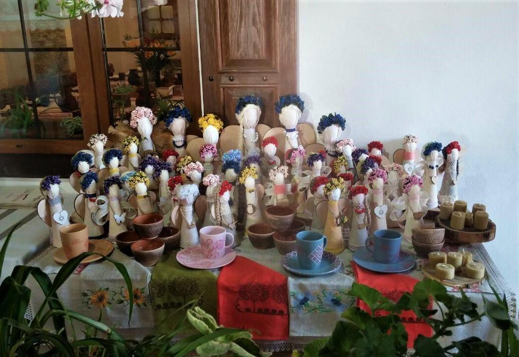 Традиционные сувениры из Херсона / Фото УНИАН