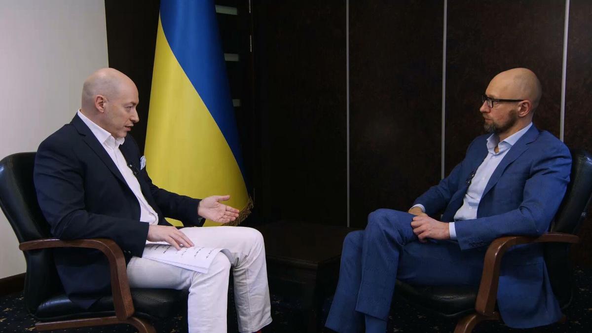 "Яценюк: если на проекте ""Стена"" кто-то украл – пусть отвечает / фото nfront.org.ua"