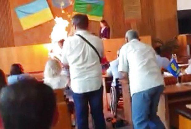На Житомирщине после самосожжения предпринимателя во время сессии горсовета открыто два уголовных производства / фото сайта 20 минут