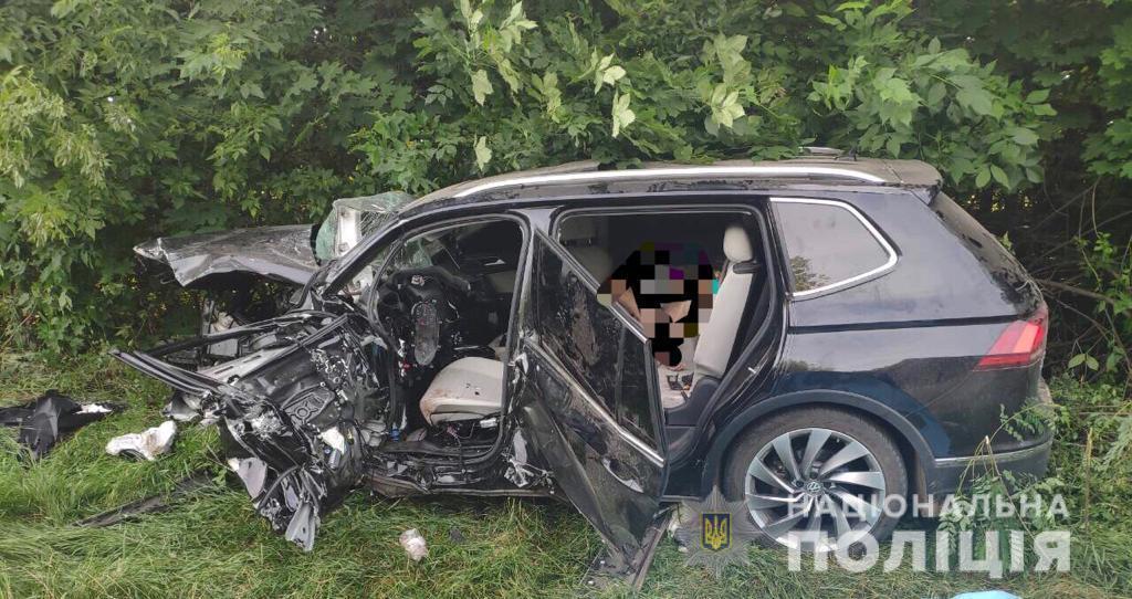 Столкнулись Audi А6 и Volkswagen Touareg / фото: полиция