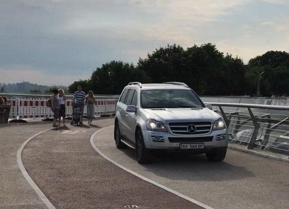 За нарушение ПДД водителяожидает административная ответственность / фото Дима Макагон/Facebook