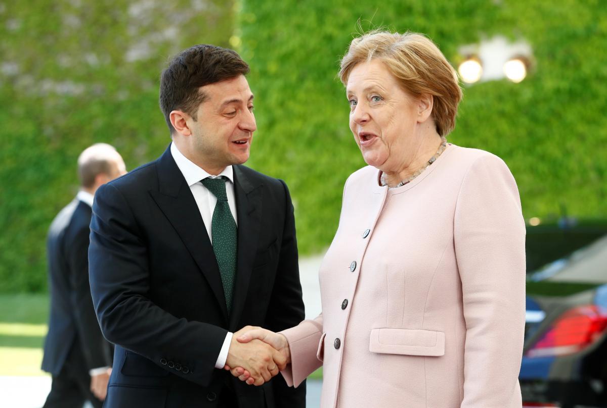 Владимир Зеленский и Ангела Меркель / REUTERS