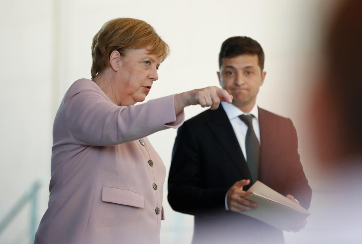 Angela Merkel and Vladimir Zelensky / REUTERS
