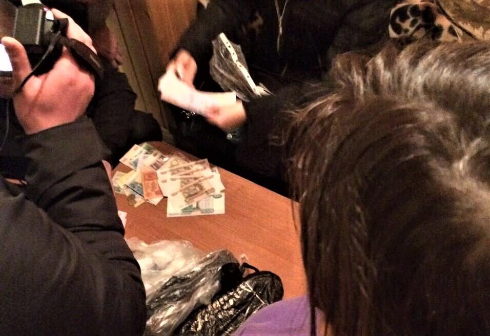 Правоохранители нашли и изъяли вещественные доказательства / фото su.npu.gov.ua