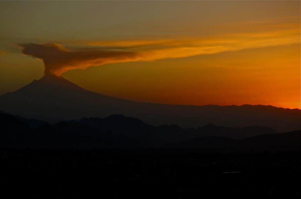 Вулкан Попокатепетль у Мексиці / фото flickr.com/furphotos