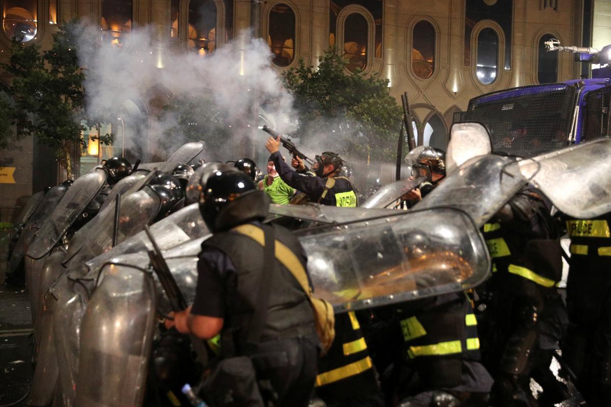 Протесты в Тбилиси / REUTERS