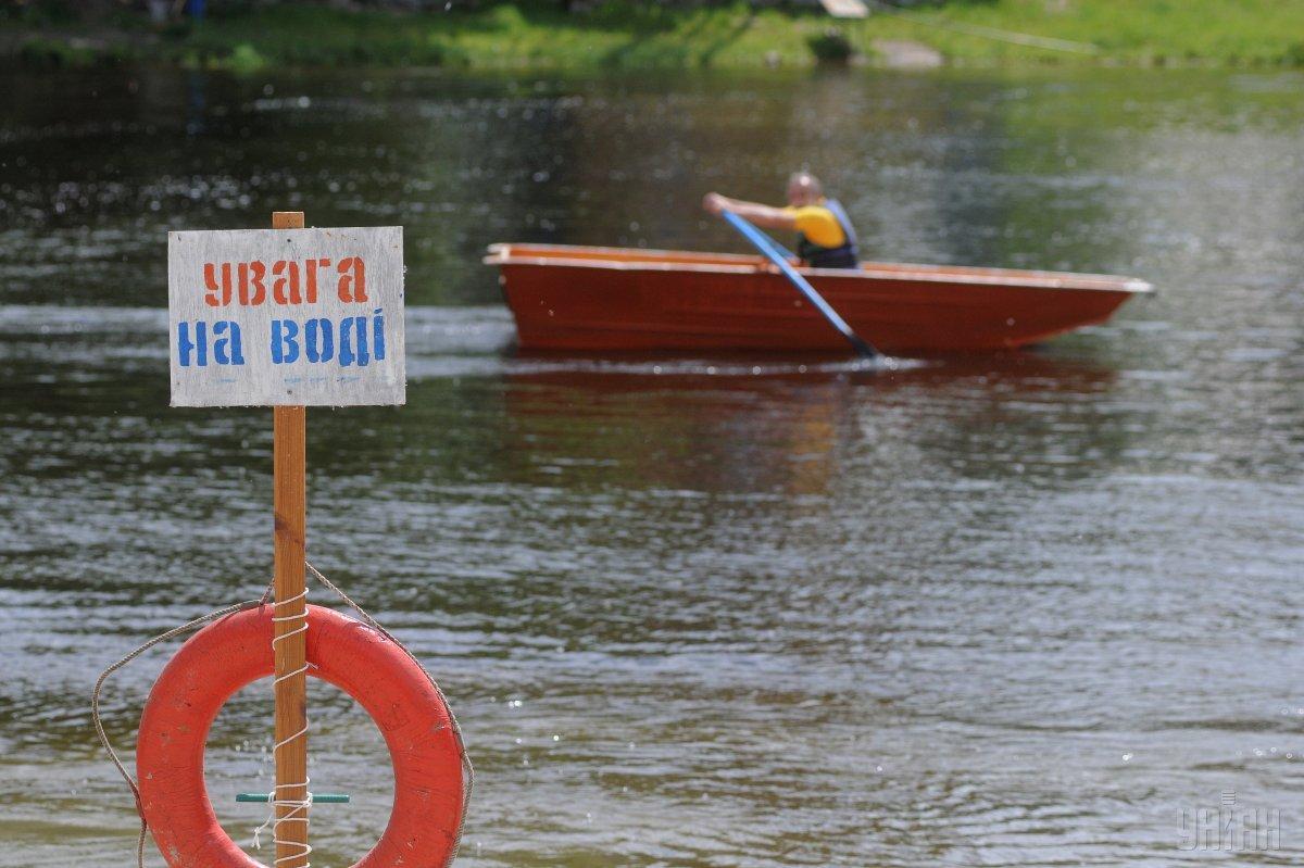 За три вихідних дні на водних об'єктах України загинули 40 осіб / фото УНІАН