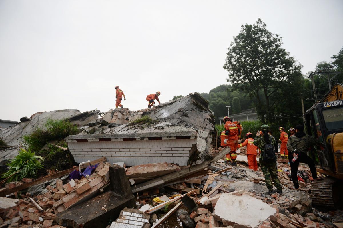 Последствия землетрясения в Китае / REUTERS