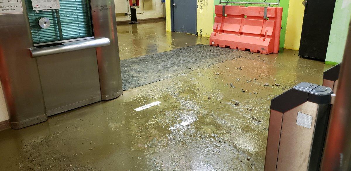 В Нью-Джерси произошло наводнение / twitter.com/RidePATCO