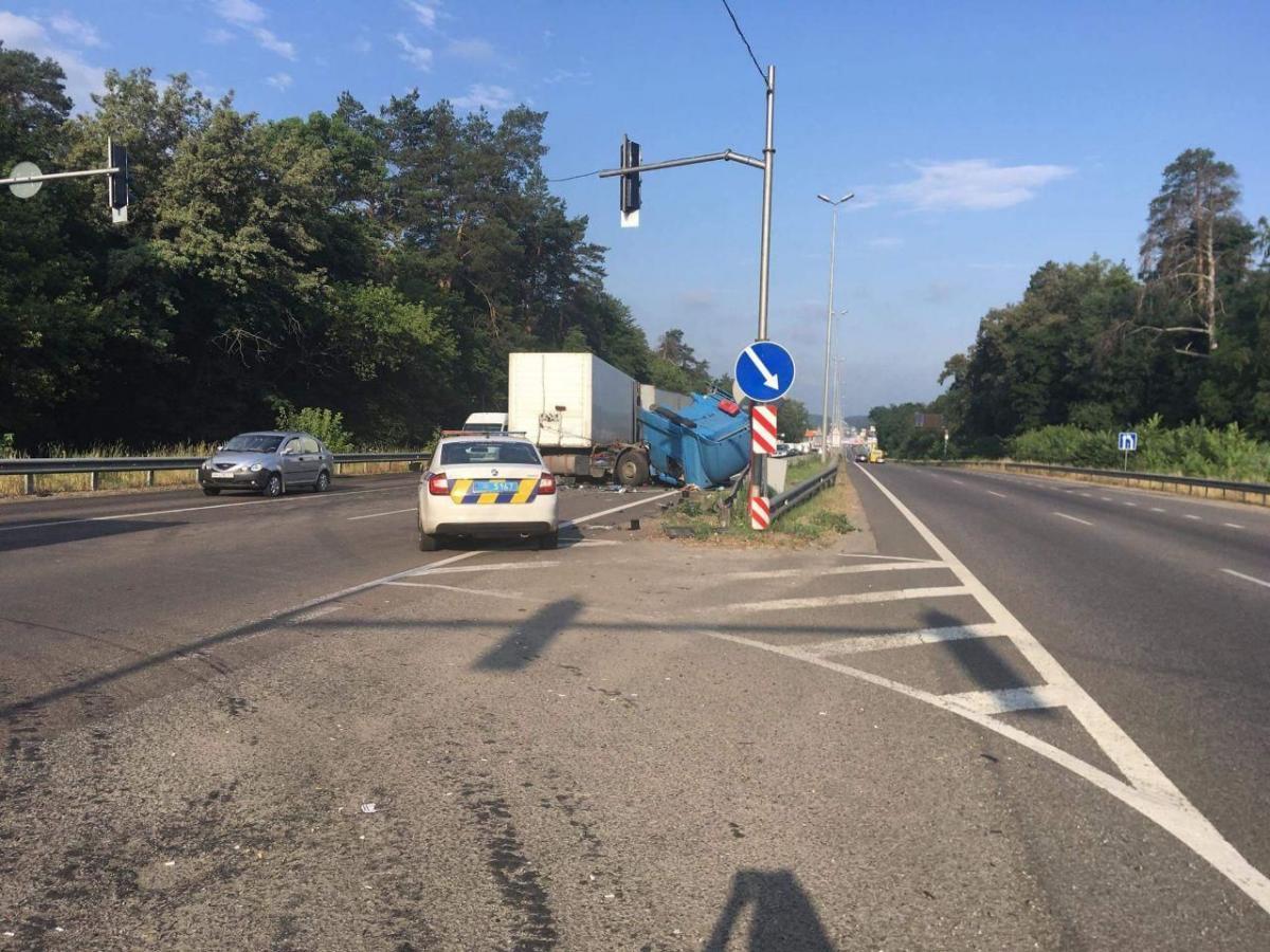 Затор на в'їзд до столиці вже розтягнувся на 5 км / фото Інна Боднар, ТСН