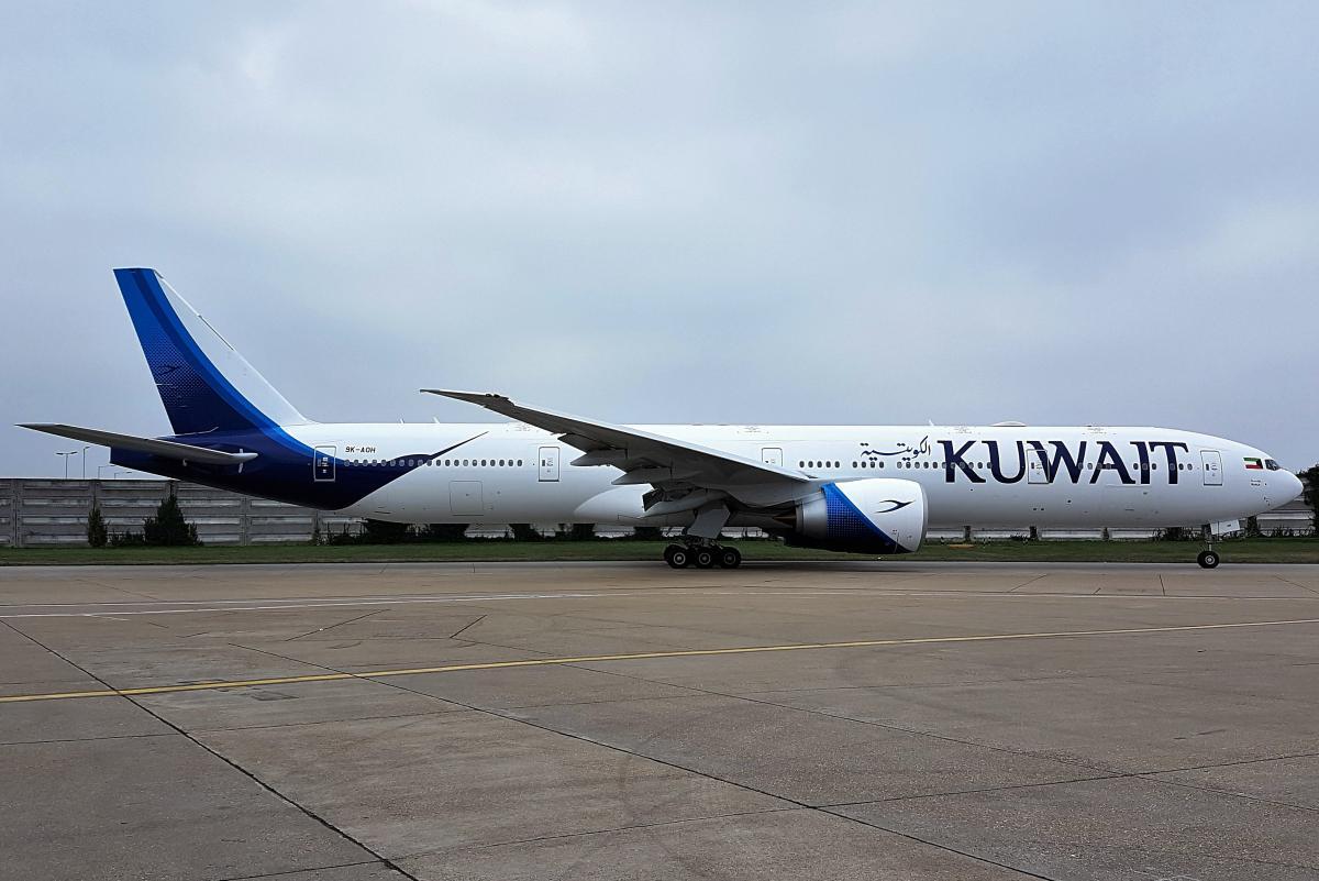 Boeing 777 левым крылом задел здание аэропорта/ Wikimedia Commons