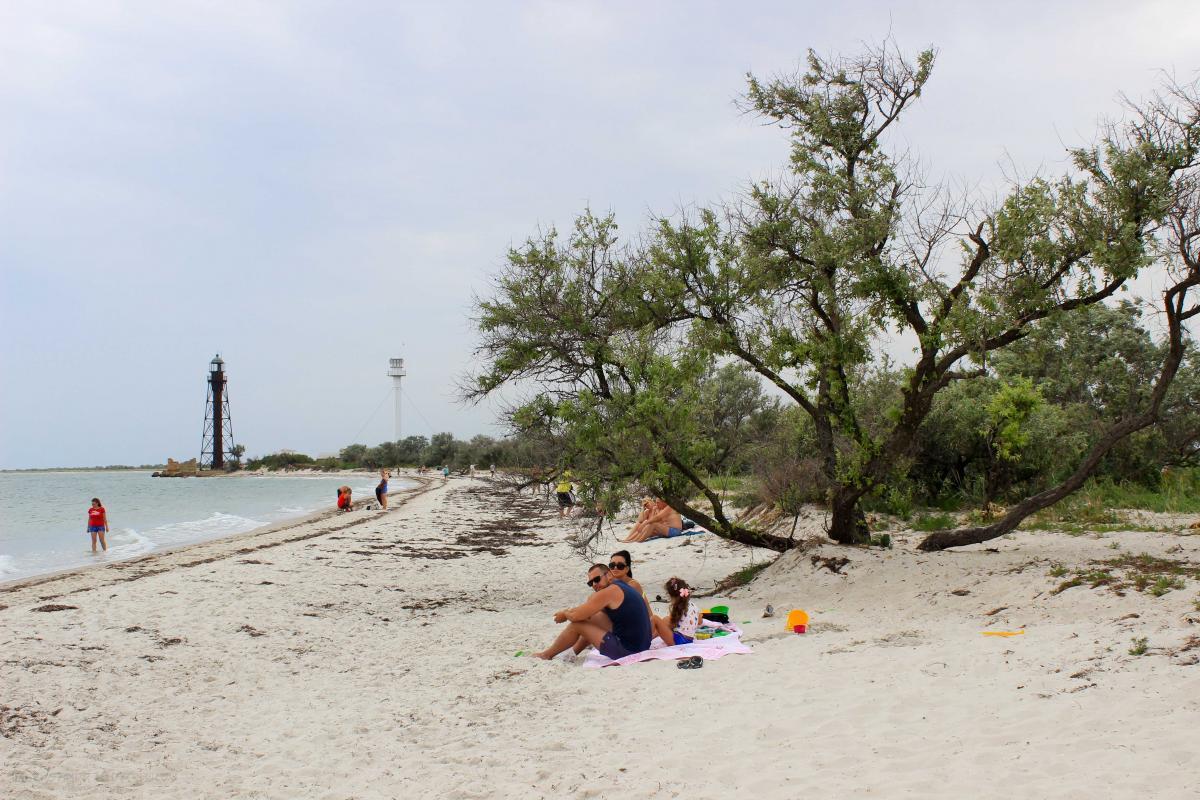 Джагарлыч отлично подходит для пляжного отдыха / Фото Департамент туризма и курортов Херсонской ОГА