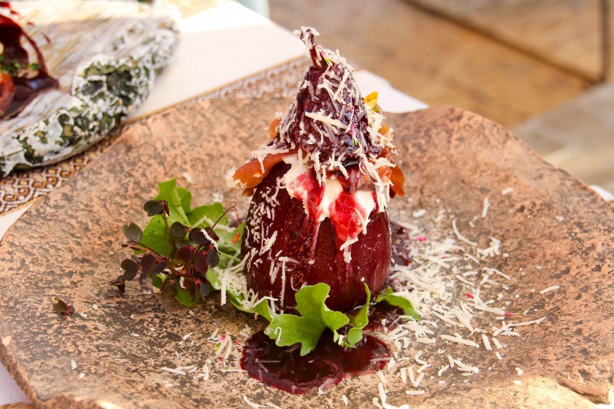 Попадаются здесь и довольно необычные блюда / Фото Департамент туризма и курортов Херсонской ОГА