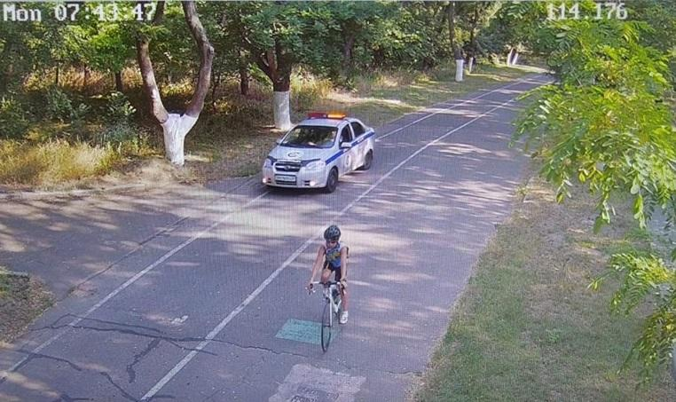 Chevrolet охранной фирмы разъезжал по Трассе здоровья / фото: facebook.com/kotlyar.od