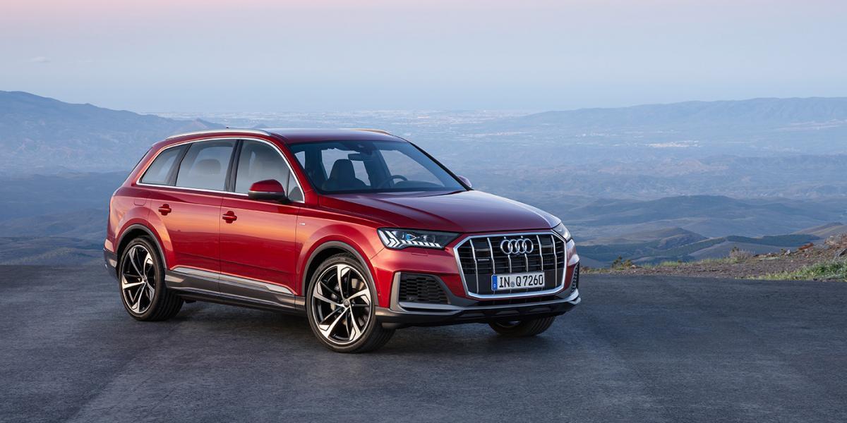 Кросовер обзавівся новою головною оптикою / фото Audi