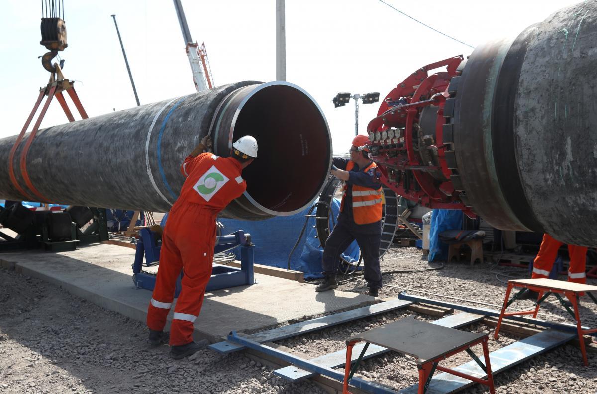 """Пакет пропозицій на підтримку """"Північного потоку-2"""" містивположення про завершення будівництва / Ілюстрація REUTERS"""