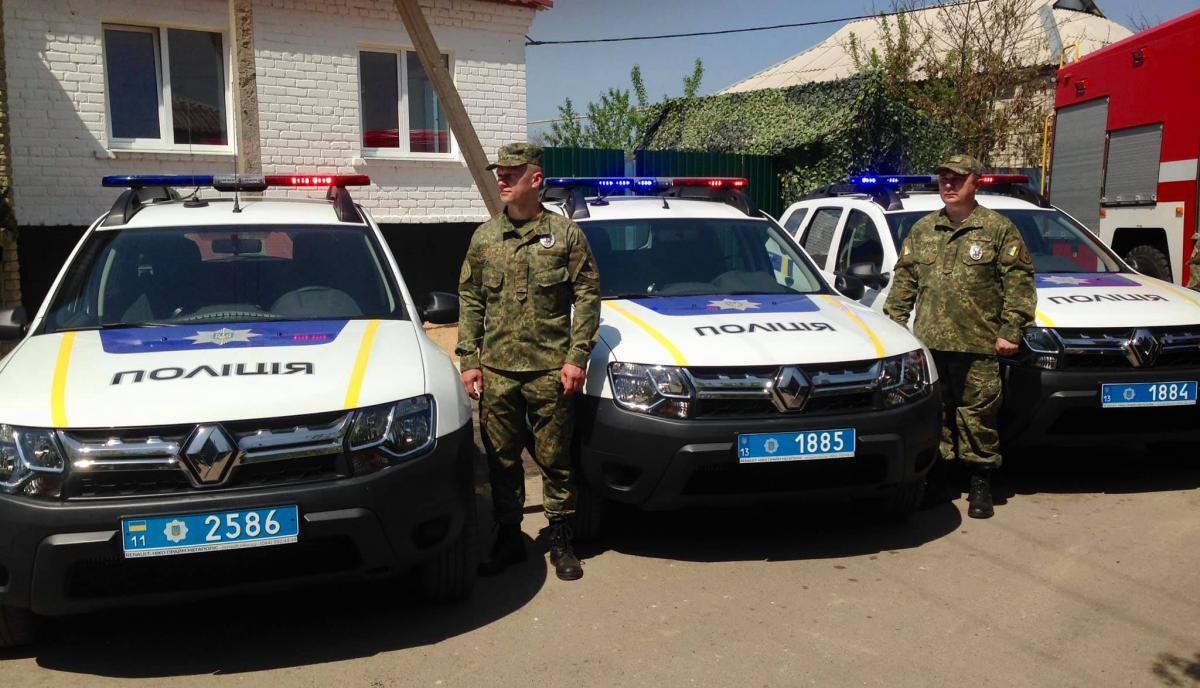 Поліція не буде відходити зі Столиці Луганської / Facebook, Артем Шевченко