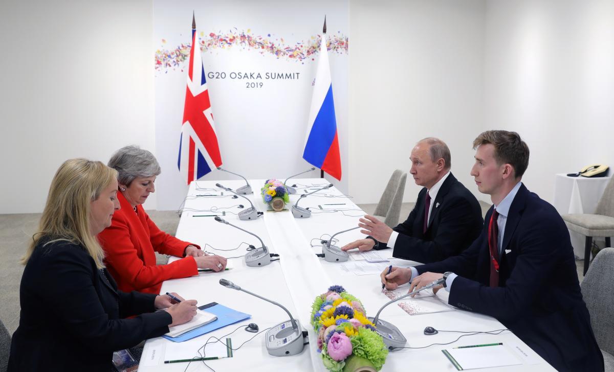 Тереза Мэй и Владимир Путин / фото REUTERS