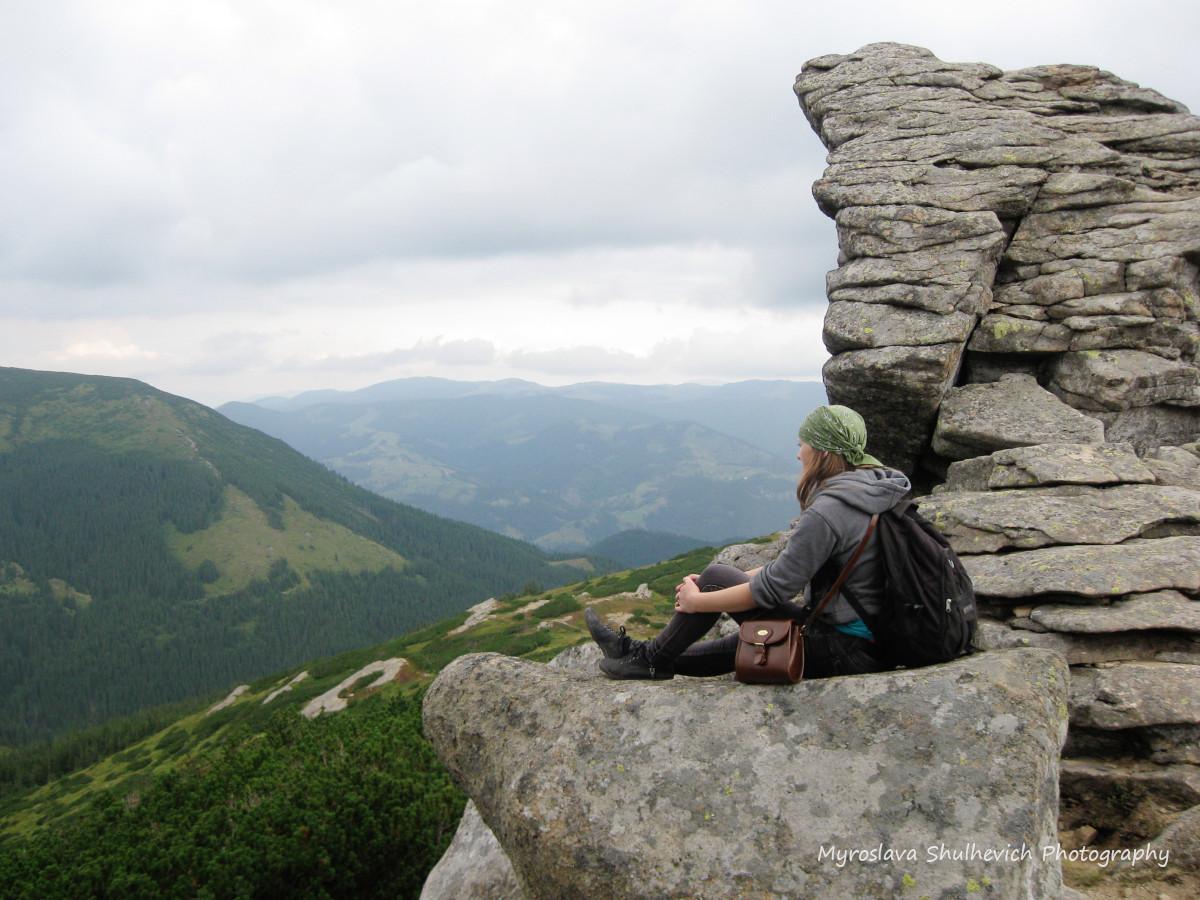 Скелі на горі Вухатий Камінь / фото Myroslava Shulhevich