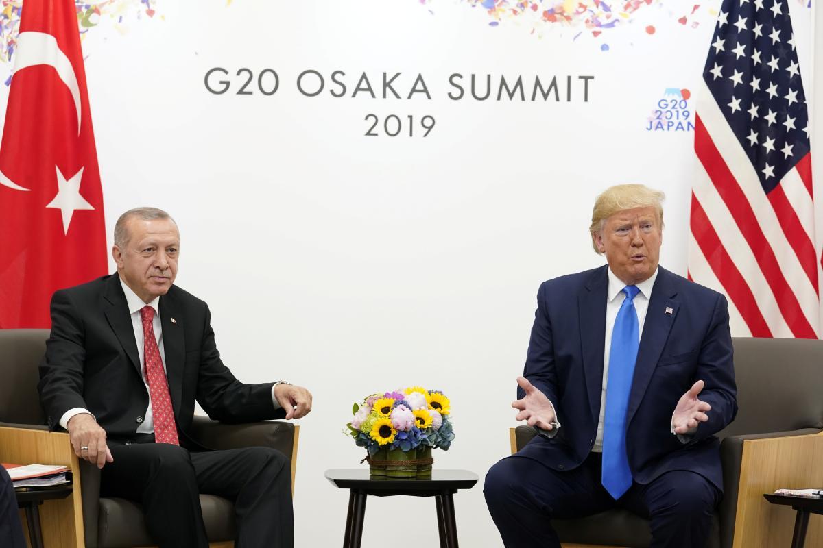 Реджеп Тайип Ердога и Дональд Трамп на встрече в Осаке / REUTERS