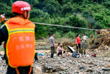 У Китаї через проливні дощі без електрики залишилися більше 780 тисяч сімей
