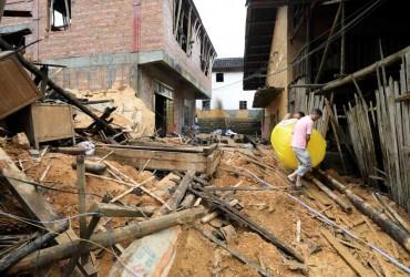На півдні Китаю жертвами негоди стали 49 осіб