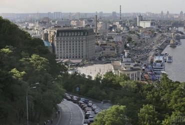 В Киеве сегодня без осадков, днем потеплеет до +23°