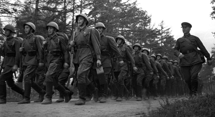 """""""Были безбожниками"""": в РПЦ объяснили большие потери Красной армии во Вторую мировую"""