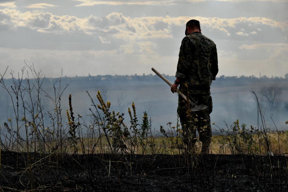 На Харківщині пожежана військовому полігоні / фото Штаб ООС