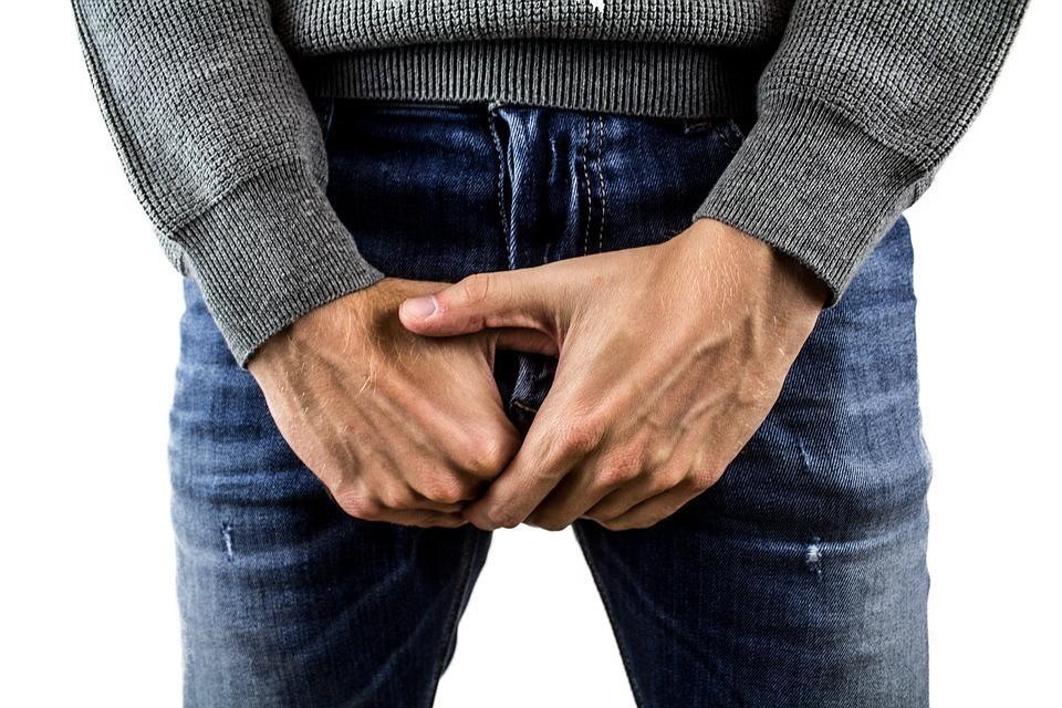 Если у мужчины возникает боль во время секса – стоит обратиться к врачу / фото pixabay.com