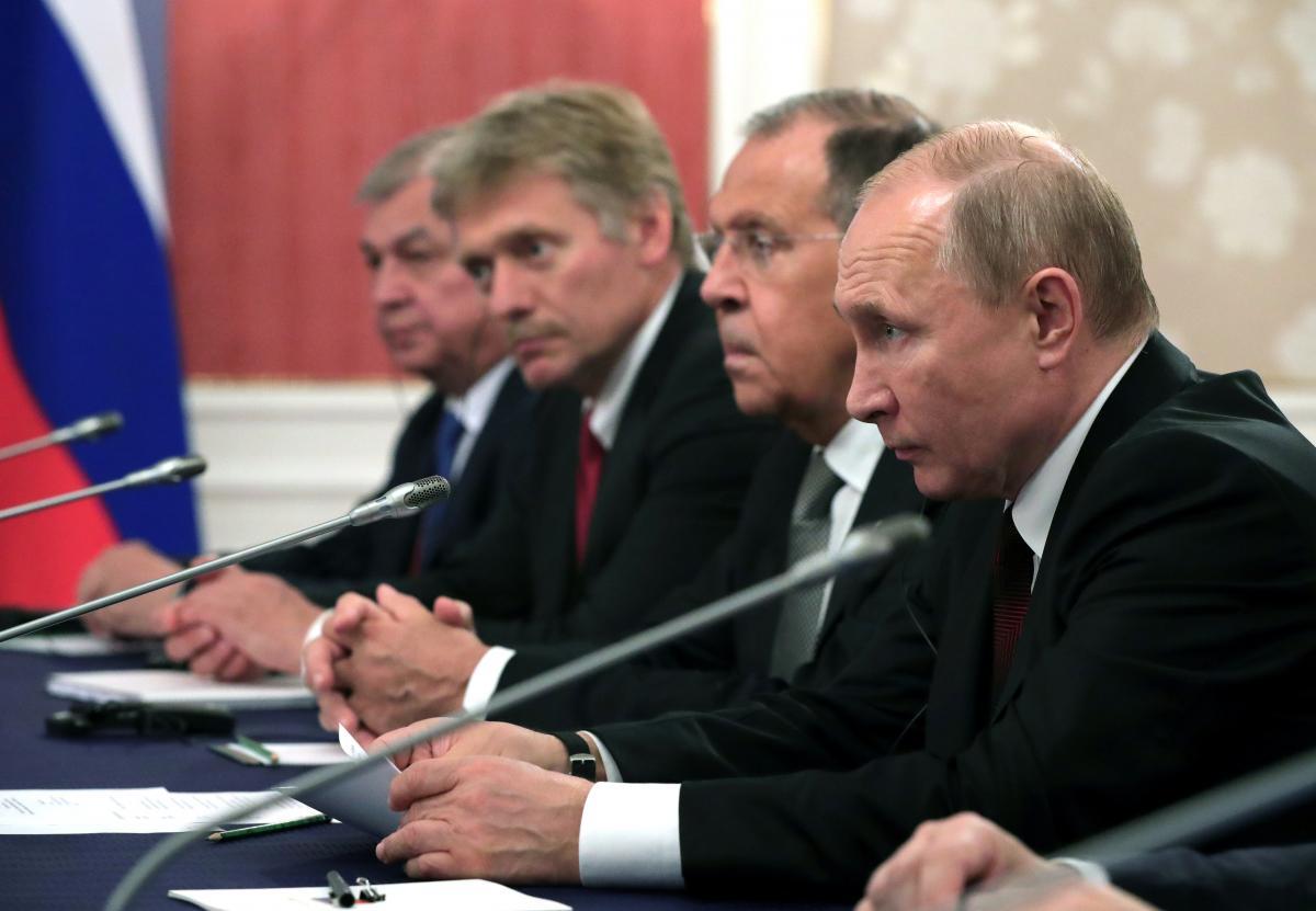 Владимир Путин, Сергей Лавров и Дмитрий Песков / REUTERS