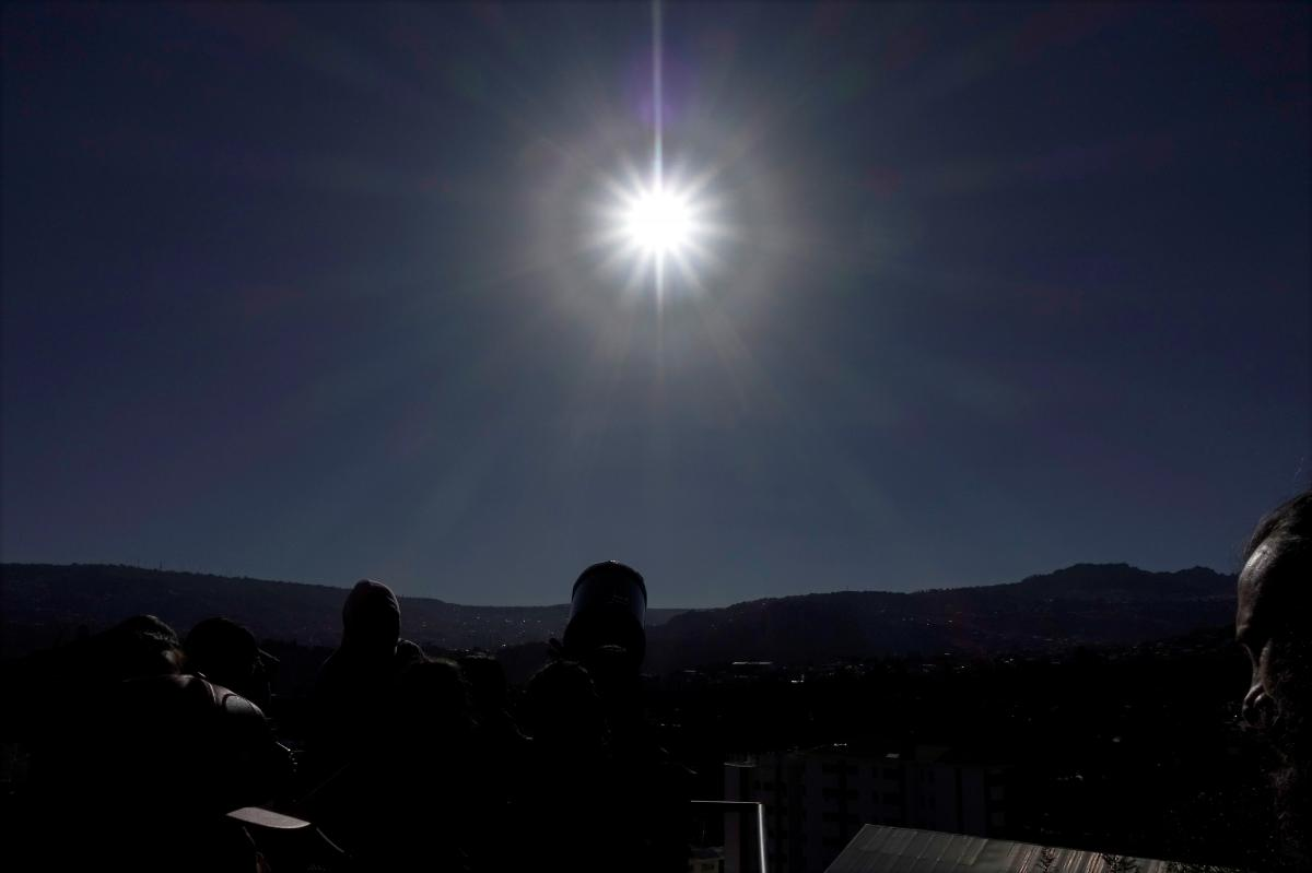 Ілюстрація: сонце/ REUTERS