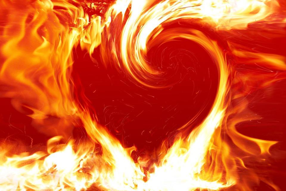 Чоловік підпалив себе / фото pixabay